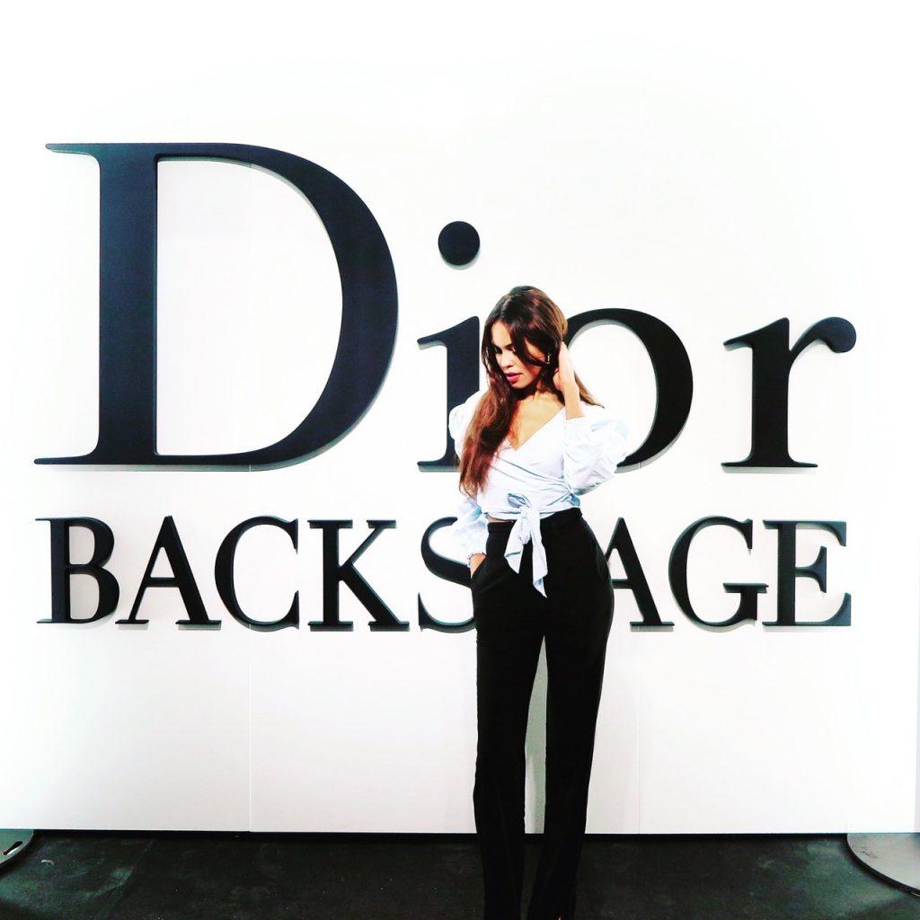 Social Influencerin Jill Asemota Backstage bei Dior