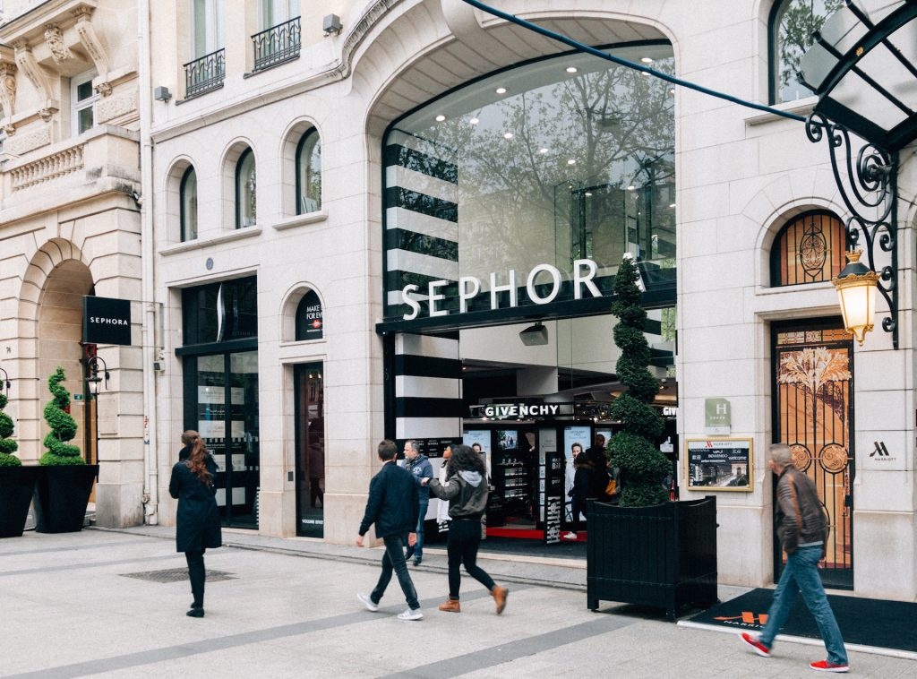 Luxus-Kosmetik bei Sephora in Paris © iStockphoto
